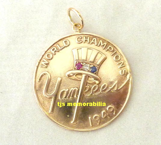 1949 NY YANKEES WORLD SERIES CHAMPIONSHIP PENDANT