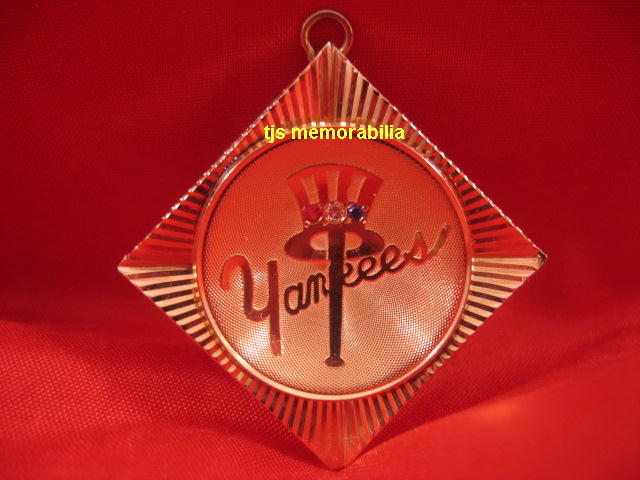 1950 s NEW YORK YANKEES CHAMPIONSHIP PENDANT / PIN