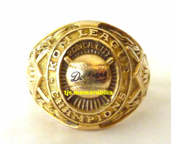 1949 BROOKLYN DODGERS KOM LEAGUE CHAMPIONSHIP RING